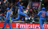 india-celebrating-win